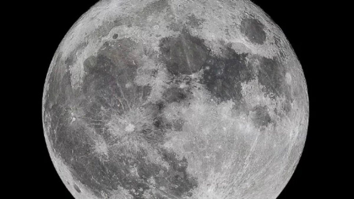supermoon-visible-at-end-of-march